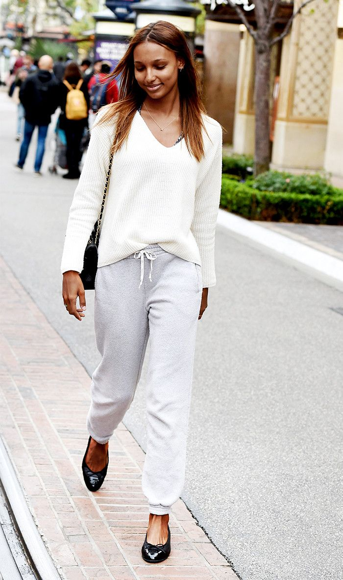 The 3 Flats Styles Celebs Are Wearing This Spring Who What Wear Inside Hadid Khaky Pinterest
