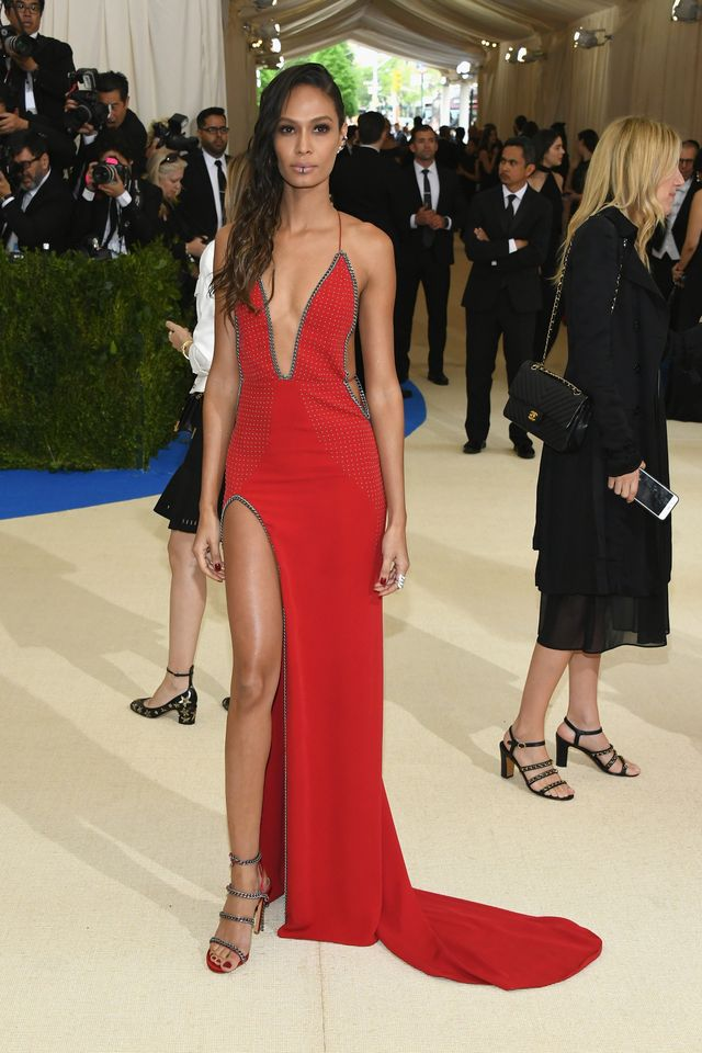 <p><strong>WHO:</strong> Joan Smalls</p> <p></p>