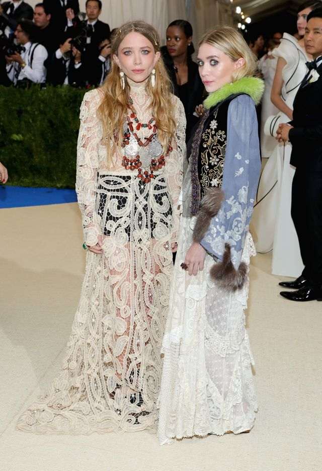 <p><strong>WHO:</strong> Mary Kate and Ashley Olsen</p>