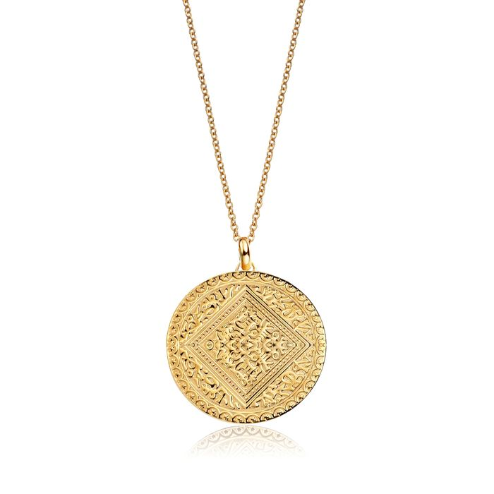 French-Girl Style—Gold Pendant Necklace | Who What Wear
