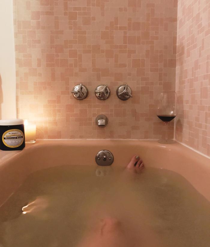 Surprising Health Benefits of Taking a Mustard Bath | TheThirty