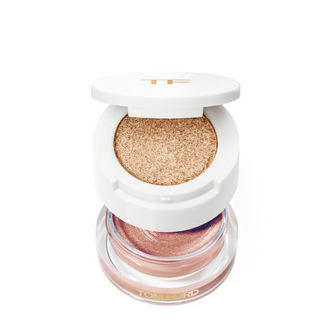 Cream and Powder Eye Color in Golden Peach