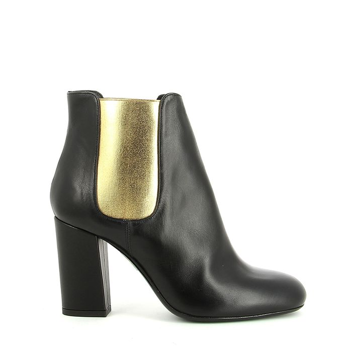The Best Metallic Boots For Winter | Who What Wear