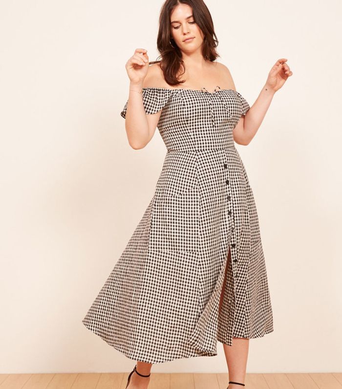 4c9b4f254896 How to Get French Summer Style in 8 Pieces