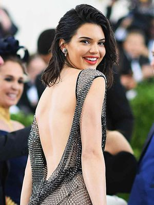 This Shower Mistake Is Giving You Bacne, Says Kendall Jenner's Dermatologist