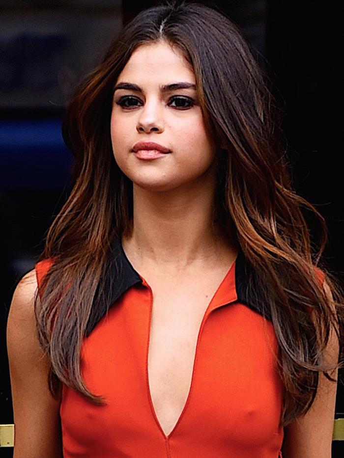 b6738ebe13fc Selena Gomez's Flattering Reformation Dress | Who What Wear UK