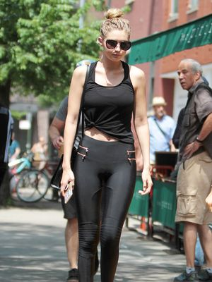 The Flattering Outfit Trick to Try With Leggings
