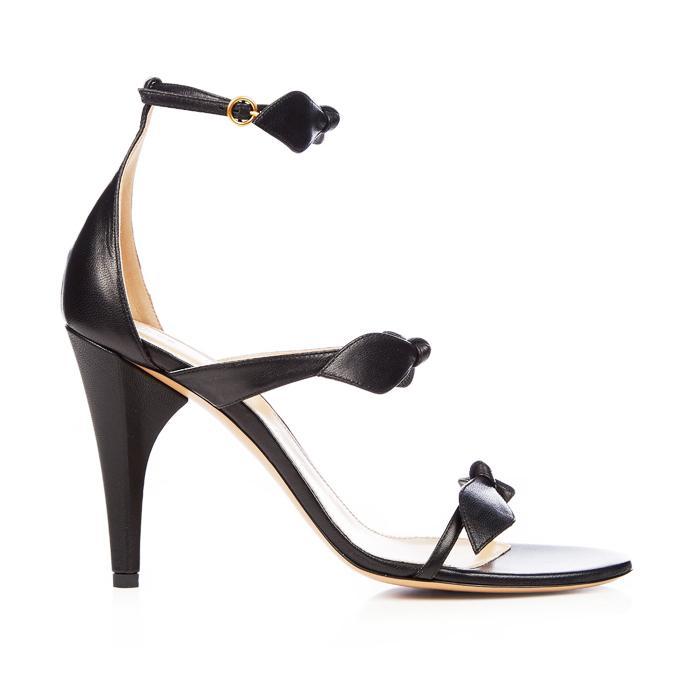 Kate Middleton S Scalloped Prada Stilettos Who What Wear Uk