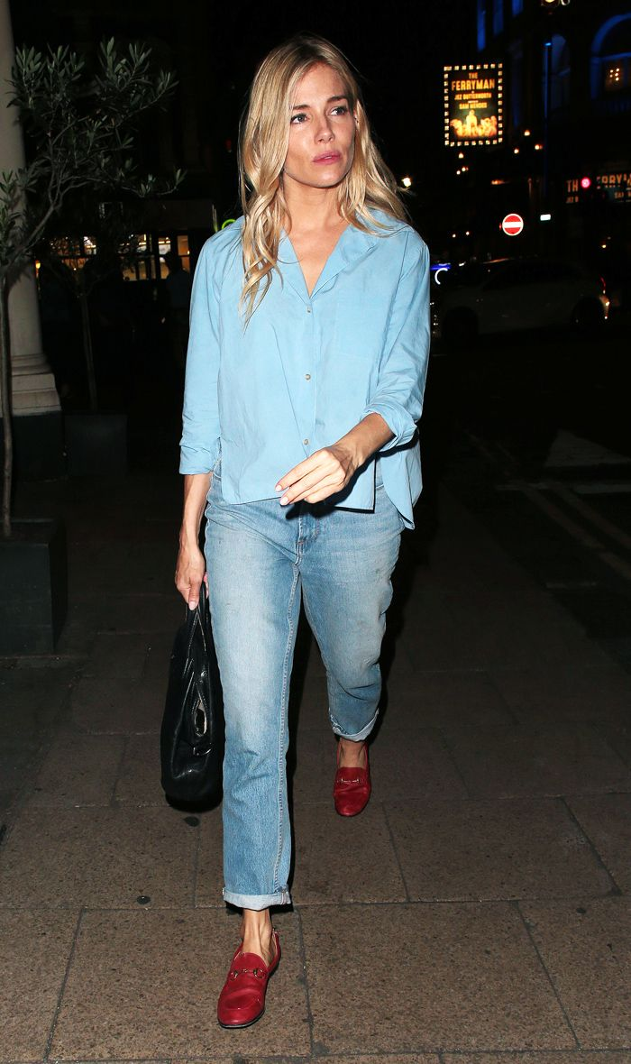 Sienna Miller S Latest Jean Outfit Who What Wear Uk