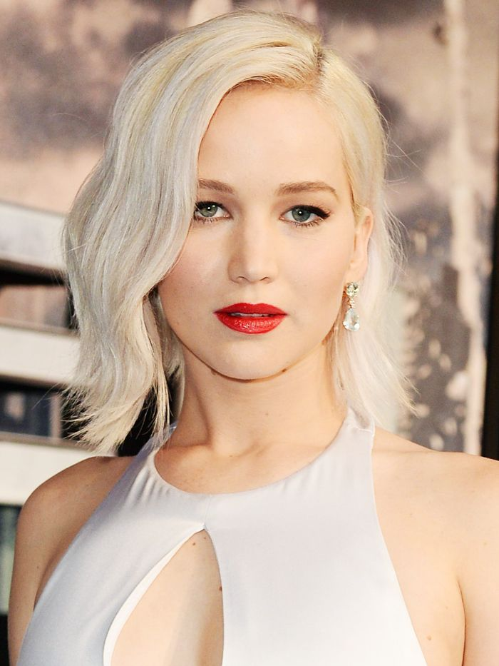 shoulder length blonde hair styles the best shoulder length hairstyles byrdie uk 4813 | shoulder length hairstyles 231756 1502103850563 image.700x0c