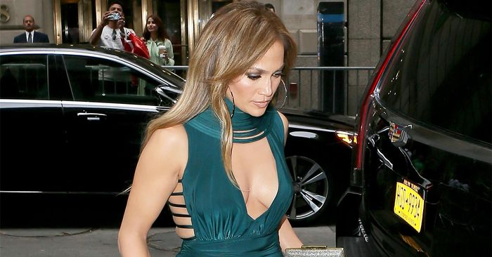 This Is What Jennifer Lopez Wears To Weddings