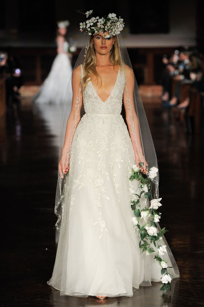 Where to buy dress to wear to a wedding good prices