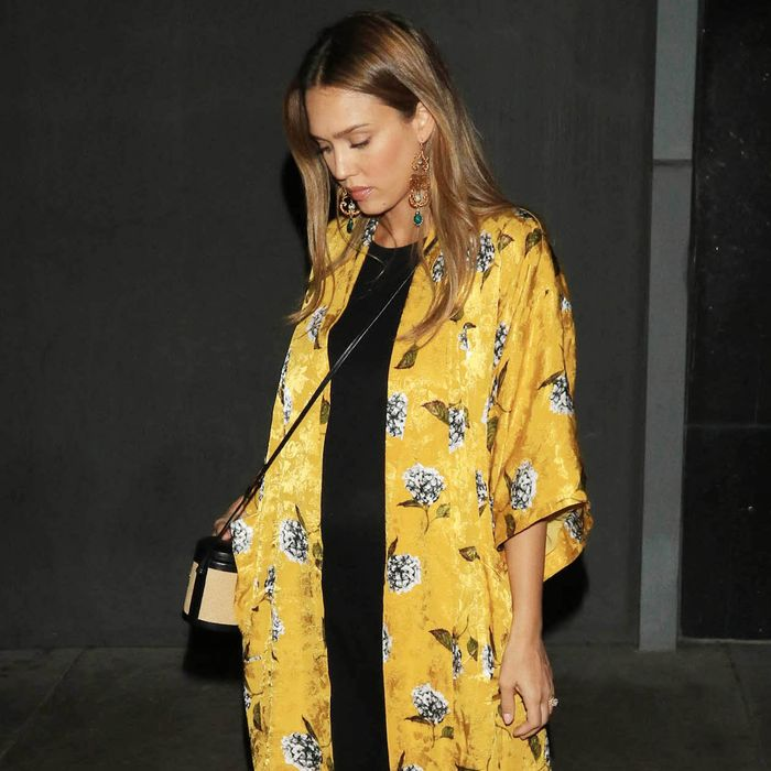 b34914a328f3 Jessica Alba's Most Stylish Looks Ever | Who What Wear UK