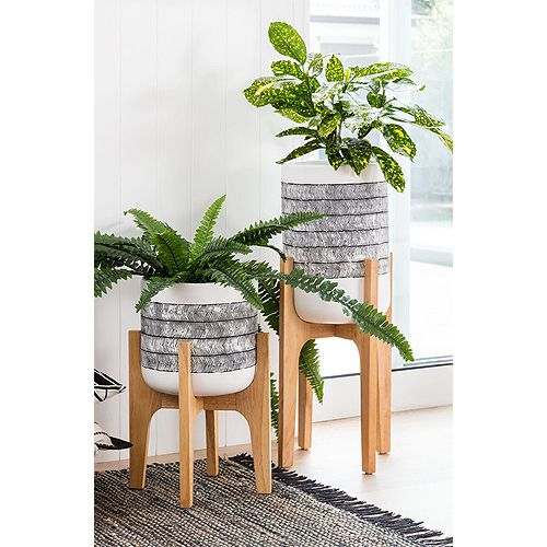 So Ezi Just Made Wooden Indoor Planters Affordable
