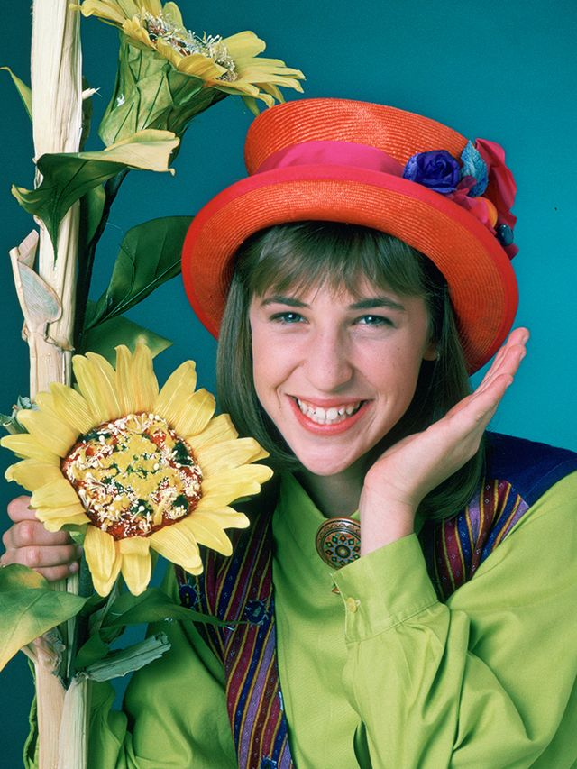 90s fashion:  Blossom wearing a quirky hat