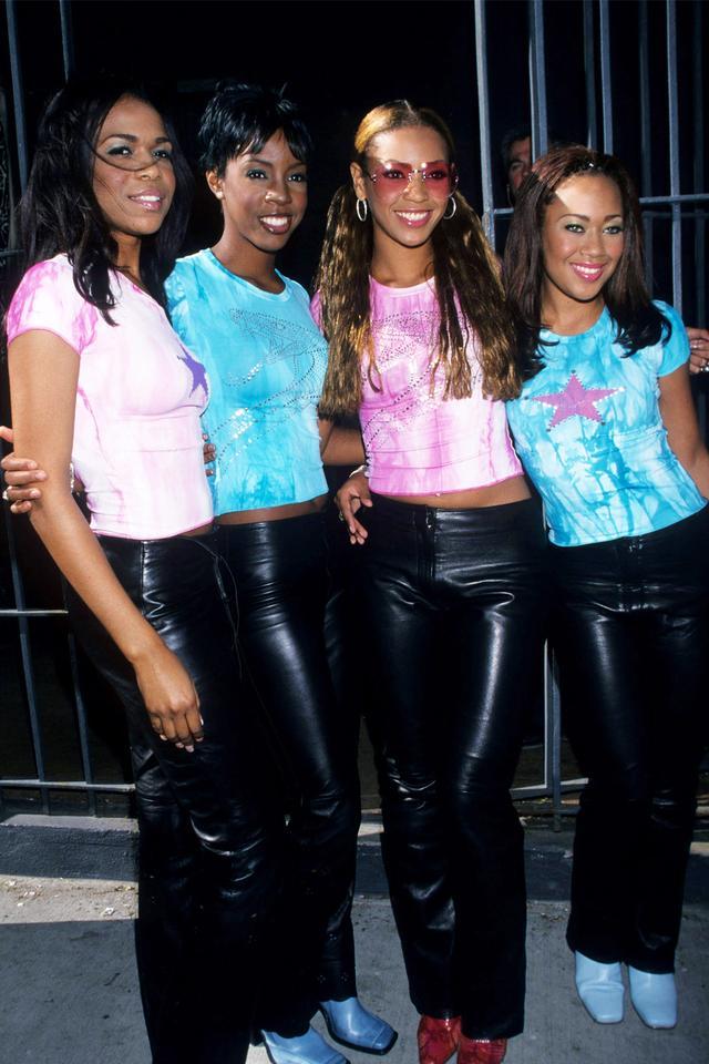 90s fashion: Destiny's Child in matching tie dye T-shirts