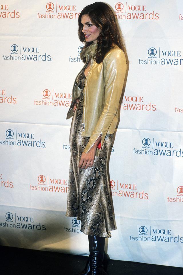 90s fashion: Cindy Crawford wearing snake skin dress