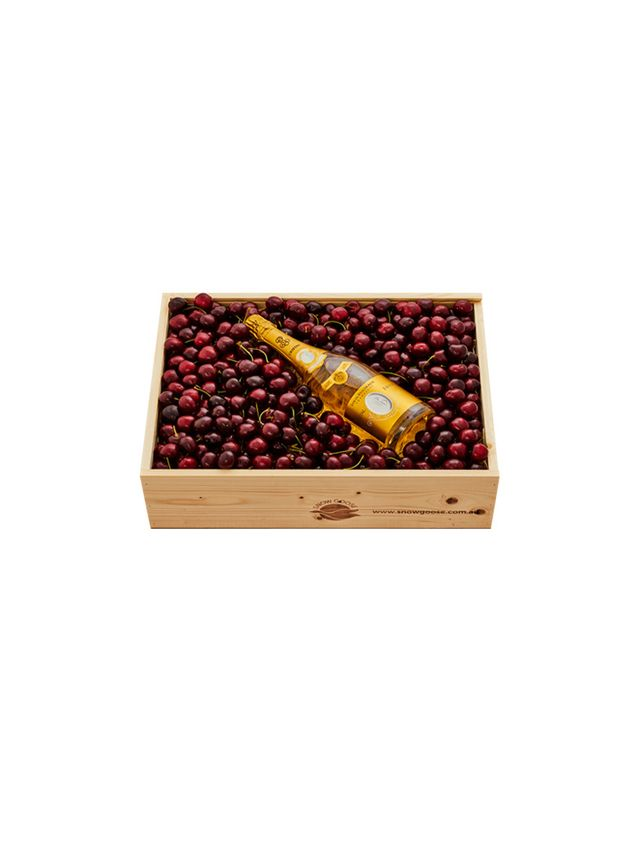 Snow Goose Cherry & Cristal Hamper