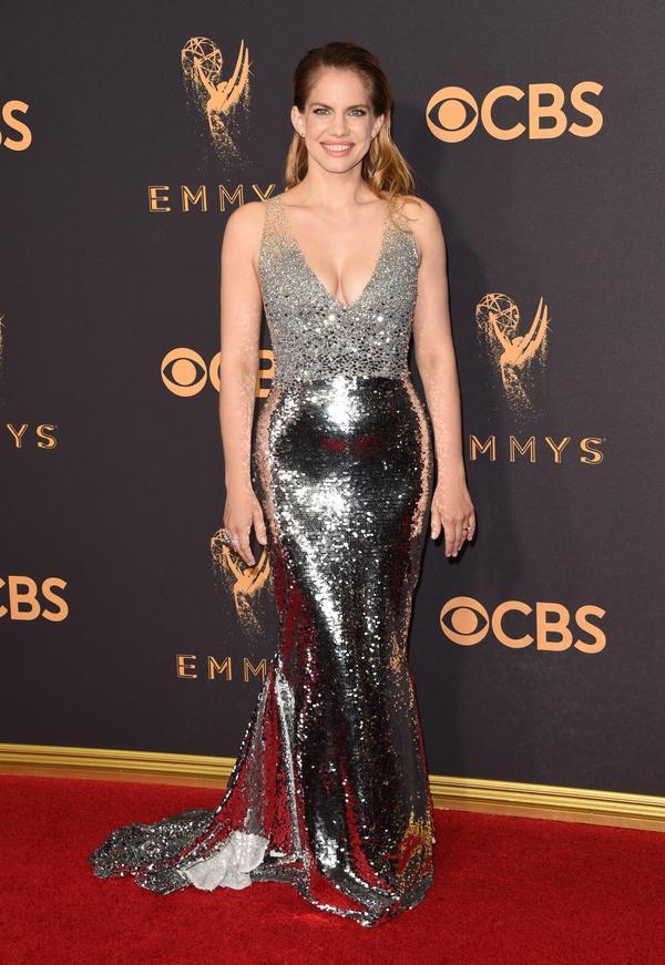 Anna Chlumsky Emmy Awards 2017 Red Carpet Celebrity Looks