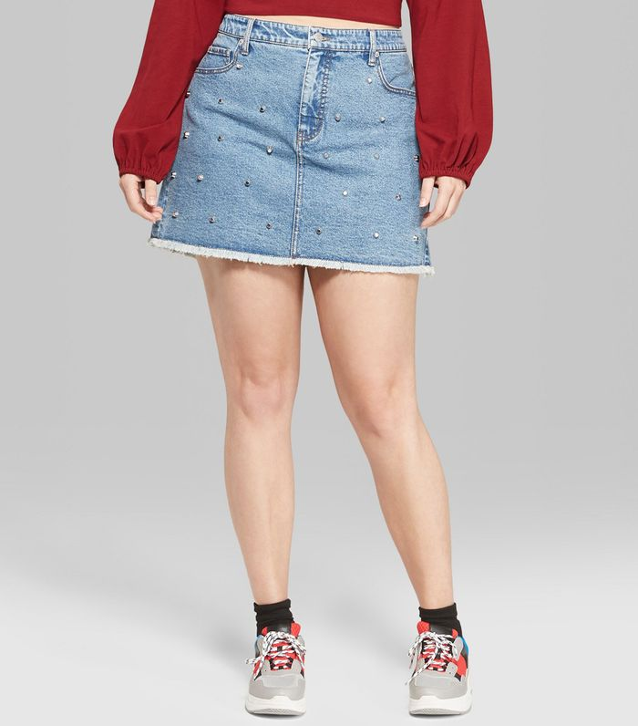 how to wear a denim skirt in the fall