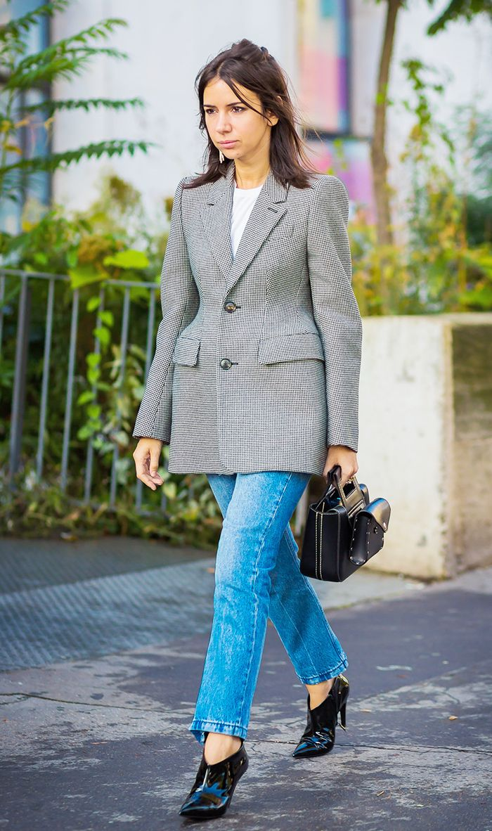 Watch 5 Fresh Ways To Wear A Blazer video