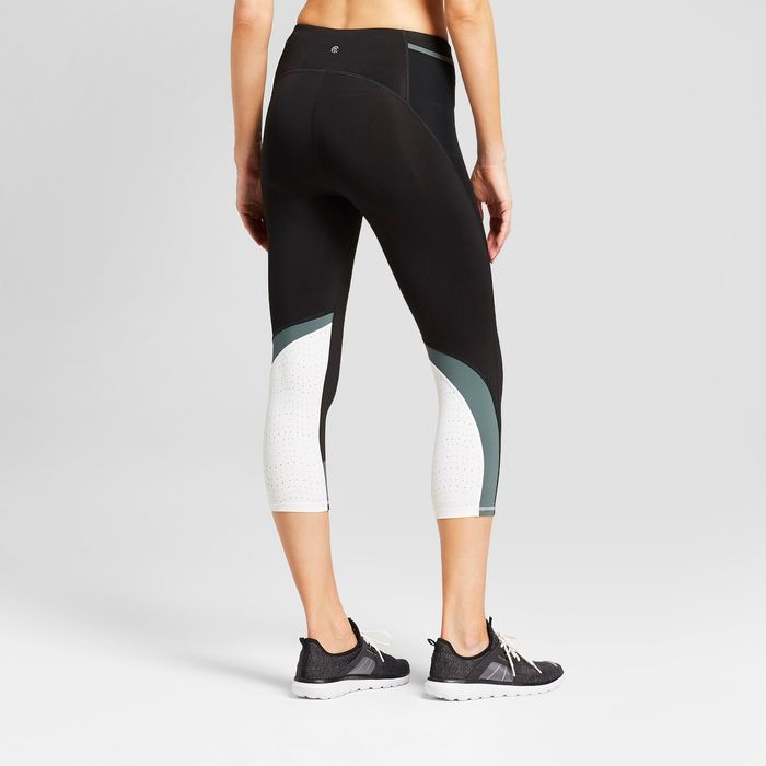 Where Fashion Girls Buy Affordable Workout Clothes Who