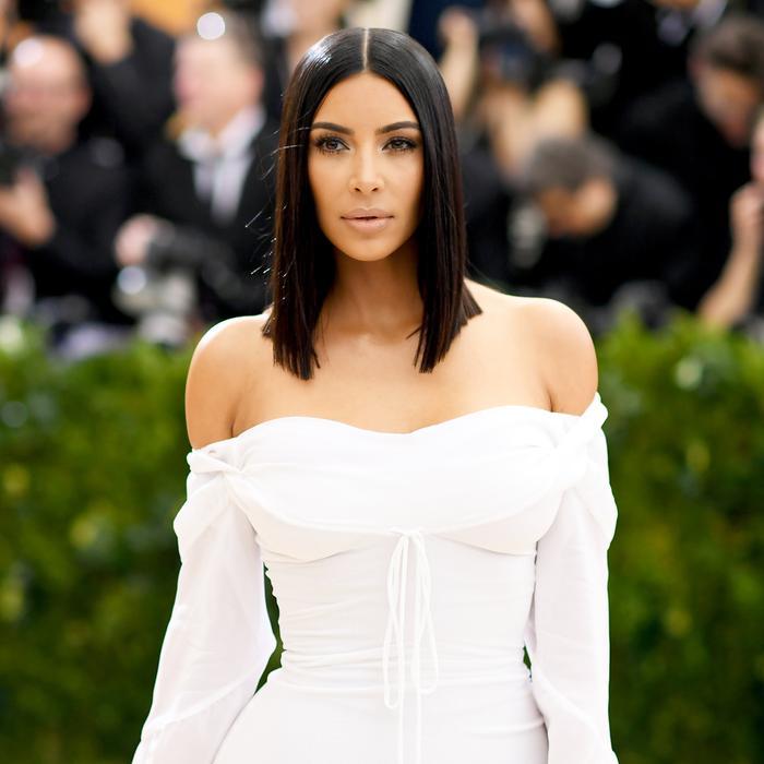 Kim Kardashian West S 11 Favorite Outfit Formulas Who What Wear Uk