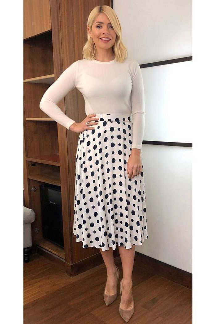a4ca7b4d91 Holly Willoughby's This Morning Style: Buy Her Clothes   Who What Wear UK
