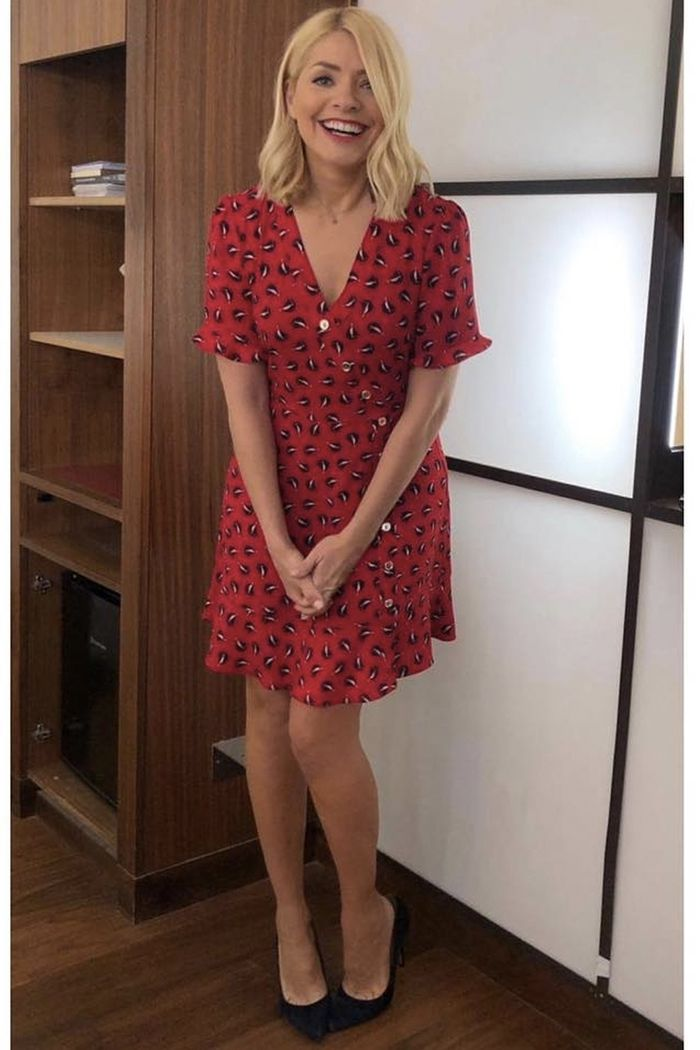 b02889b6184a Holly Willoughby's This Morning Style: Buy Her Clothes | Who What Wear UK