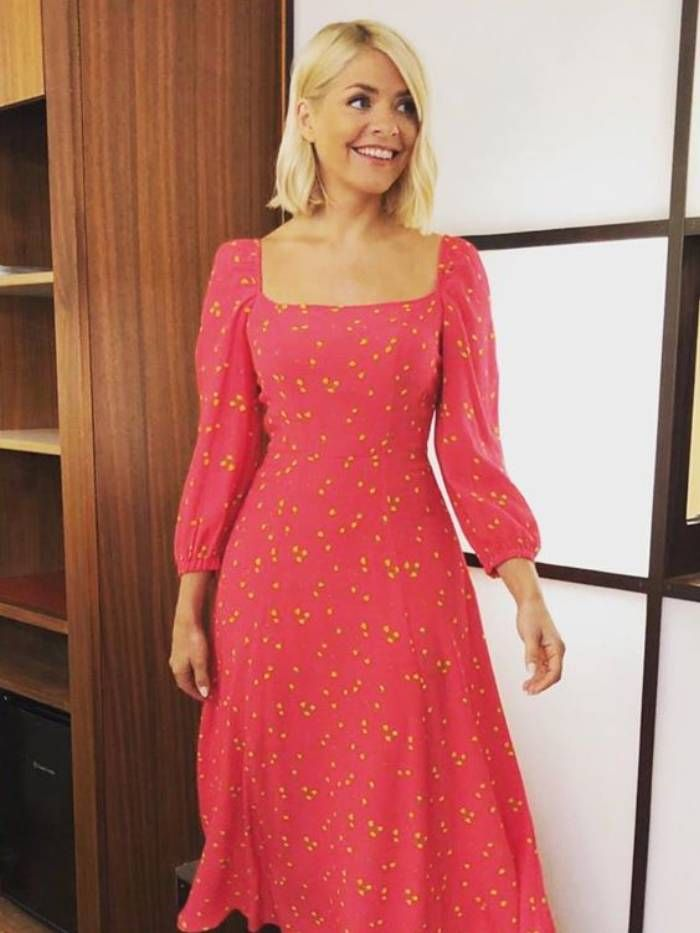 8fae88dac46c Holly Willoughby's This Morning Style: Buy Her Clothes | Who What Wear UK