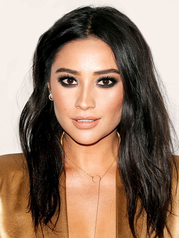 14 Of Shay Mitchell S Best Ever Hair Moments Byrdie