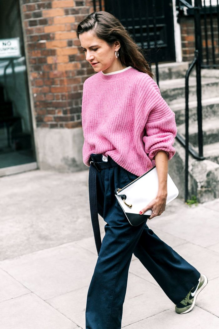 11 Oversize-Sweater Outfit Ideas for the Dead of Winter ...