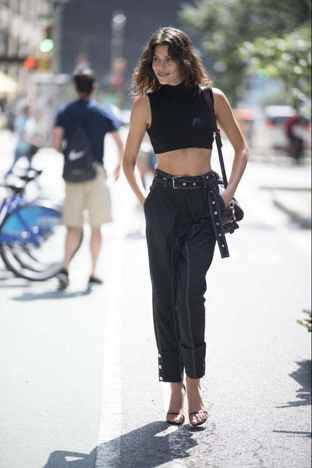 How to Wear Wide Belts Street Style