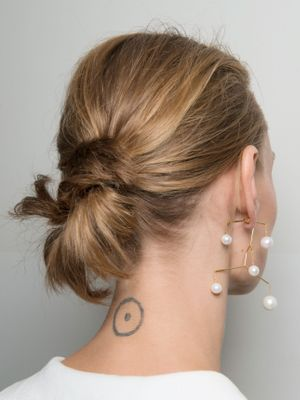10 Hairstyles You Can Do in Less Than 30 Seconds