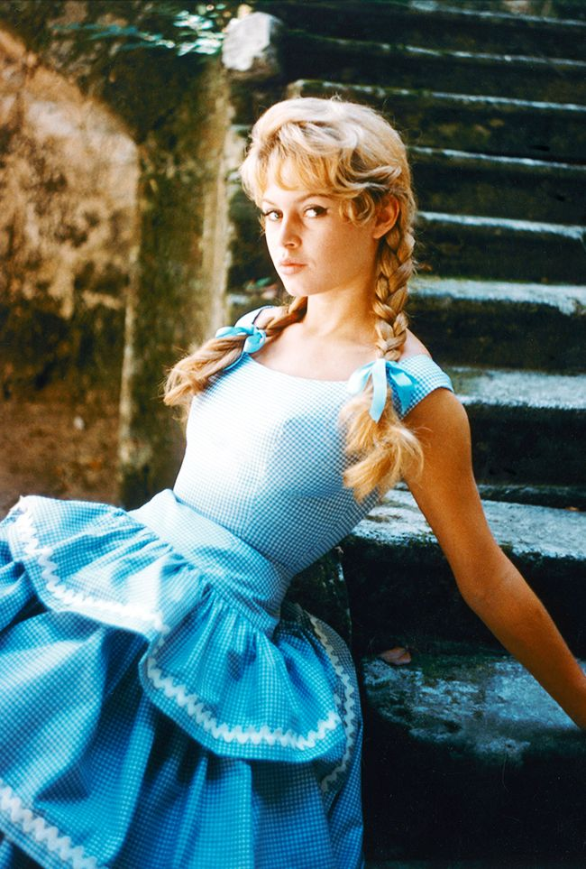 Get Brigitte Bardot's Style With These Key Fashion Items ...