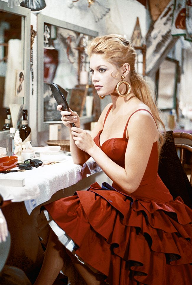Get Brigitte Bardot S Style With These Key Fashion Items Who What Wear Uk