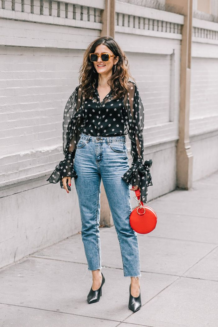 sweater and comfortable mom jeans. Pinterest