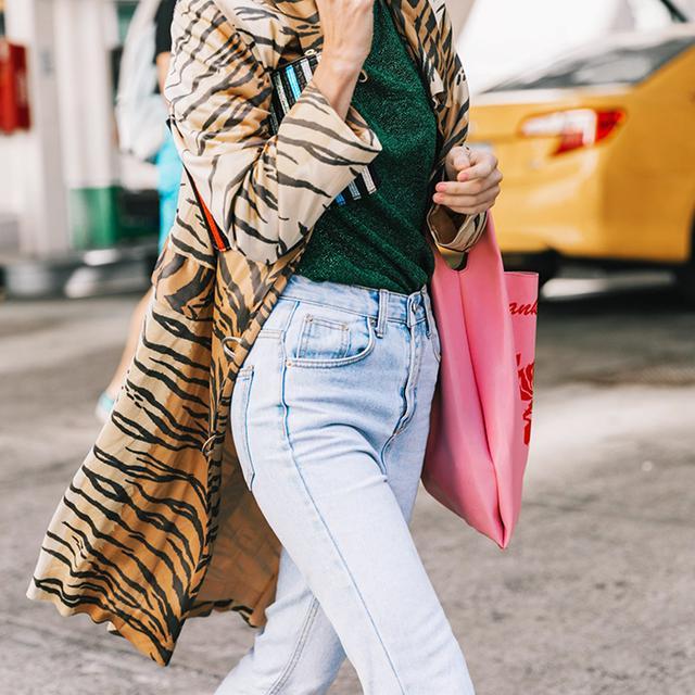 25 New Ways to Wear Mom Jeans
