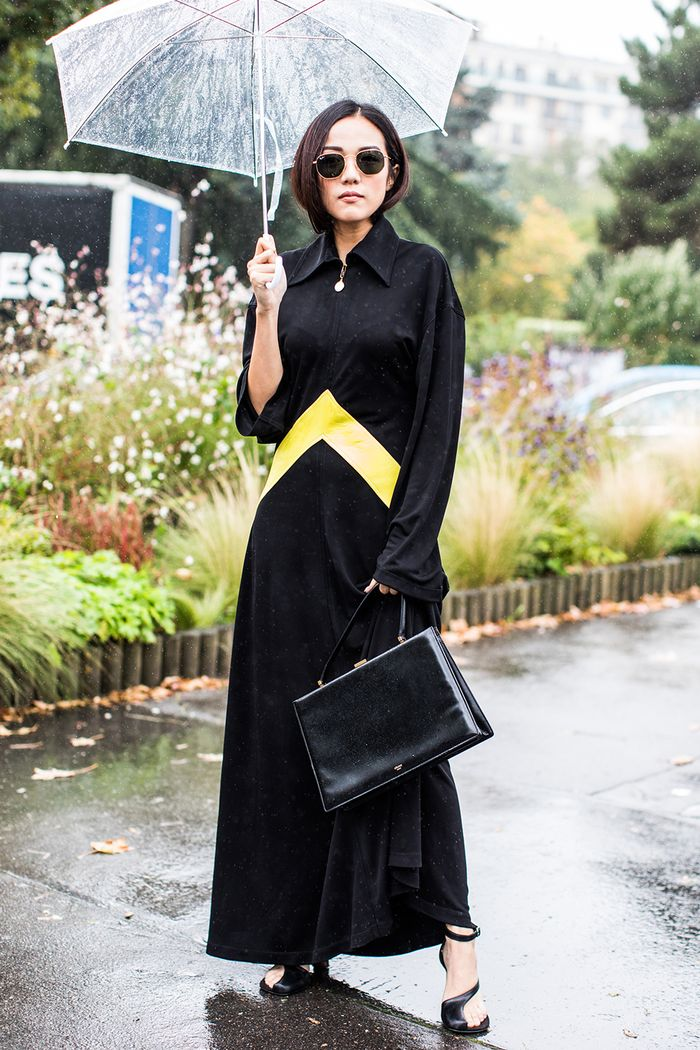 20 Black-and-Gold Outfits to Wear Now | Who What Wear