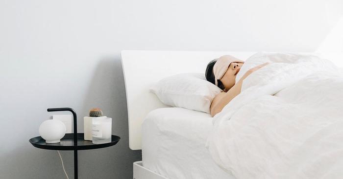 This Silk Pillowcase Has 2500 5 Star Reviews On Amazon