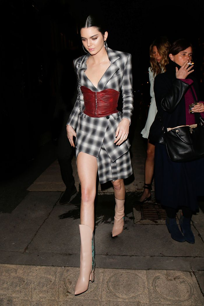 incredible kendall jenner christmas outfit 2016