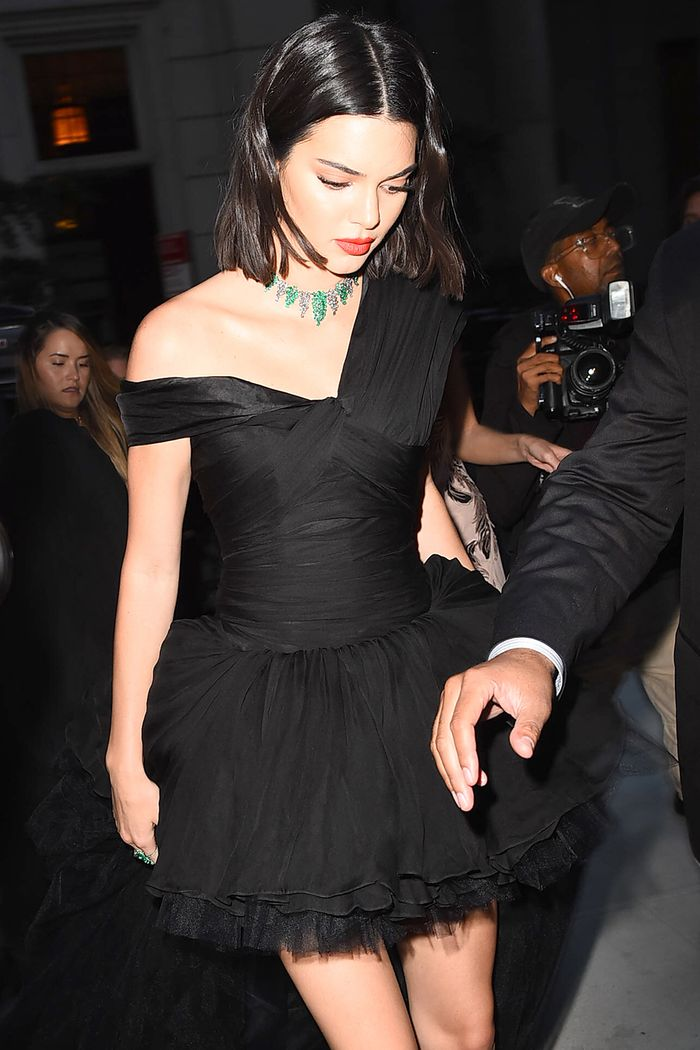 incredible kendall jenner christmas outfit pictures