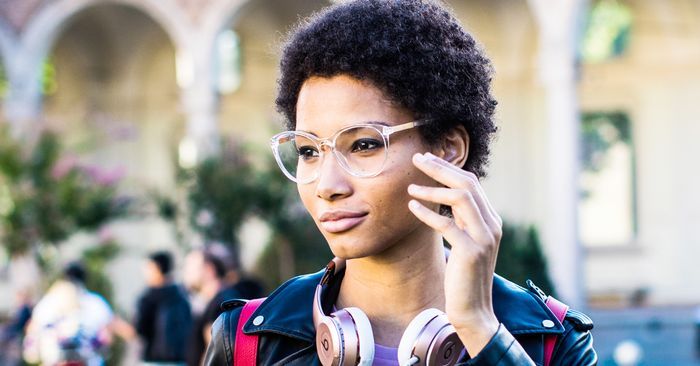 84ba4877bc177 18 Trendy Glasses to Try Right Now