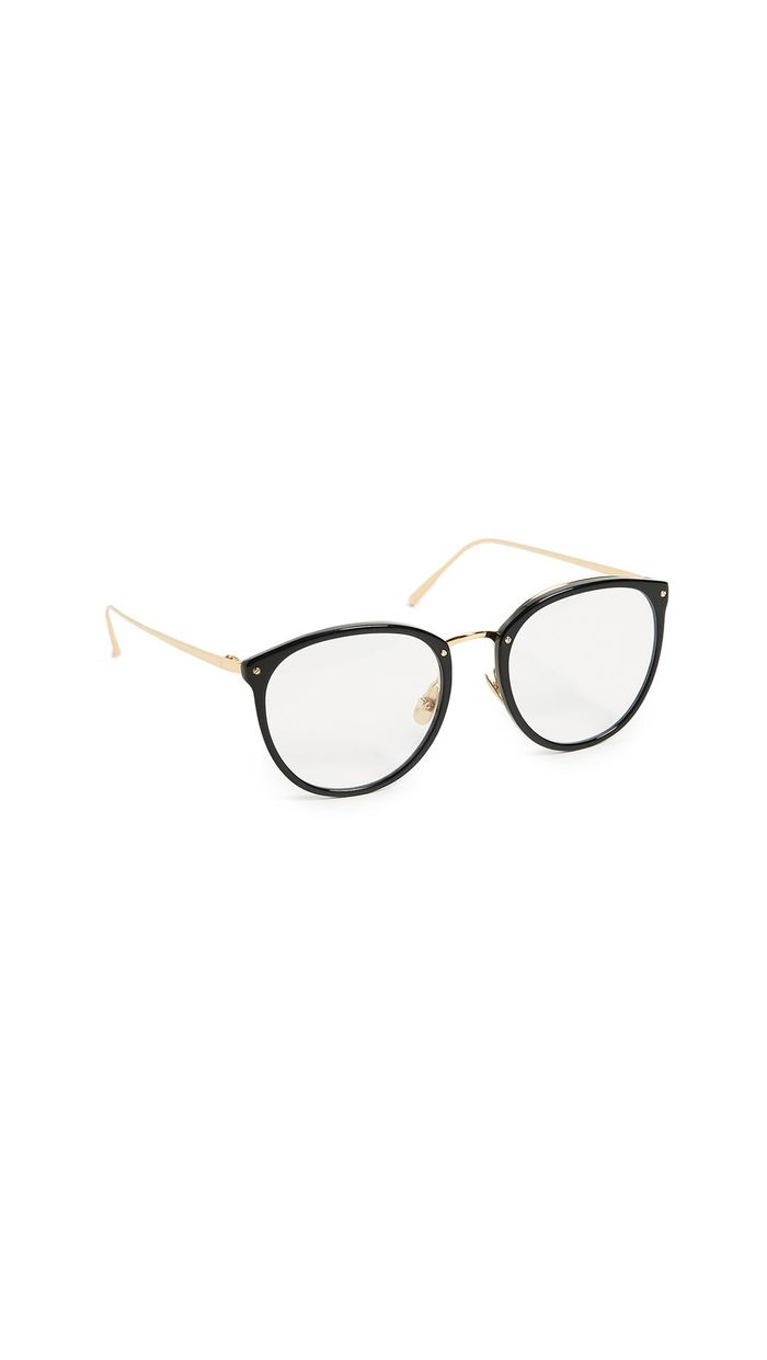 a8077b4daf2 18 Trendy Glasses to Try Right Now