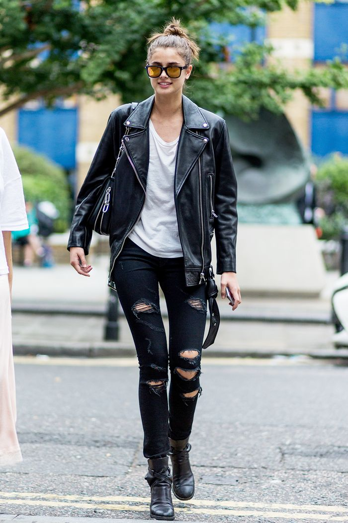 fantastic outfit for black ripped jeans