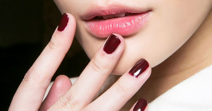 Editors Choose Their 6 Go To Polishes For Burgundy Nails