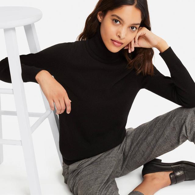 Uniqlo Cashmere Turtleneck Sweater