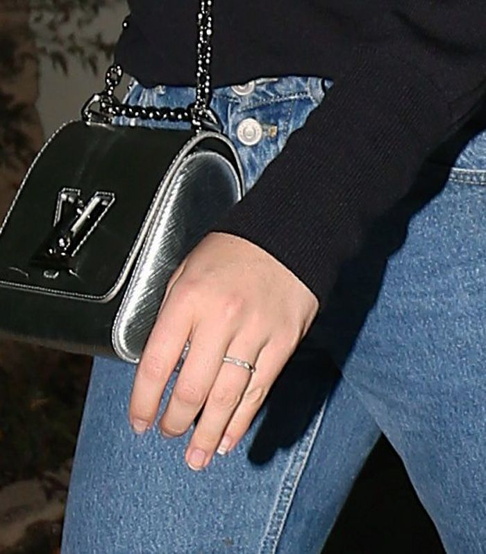 Kate Uptons Wedding Ring Who What Wear