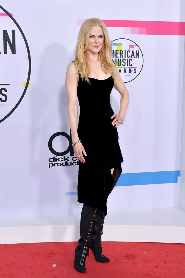 <p><strong>WHO:</strong>Nicole Kidman</p> <p><strong>WEAR:</strong>Olivier Theyskens dress</p>