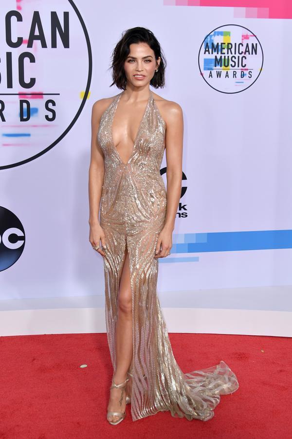 <p><strong>WHO:</strong>Jenna Dewan</p> <p><strong>WEAR:</strong>Julien Macdonald dress</p>
